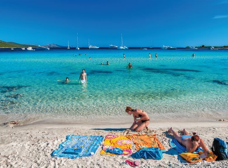 Boat tour to Sakarun beach from Zadar